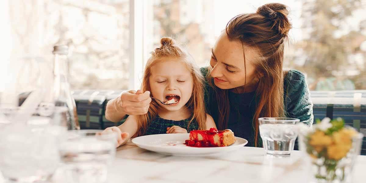 Çocuklarınızı Çok Yemeğe Zorlamayın