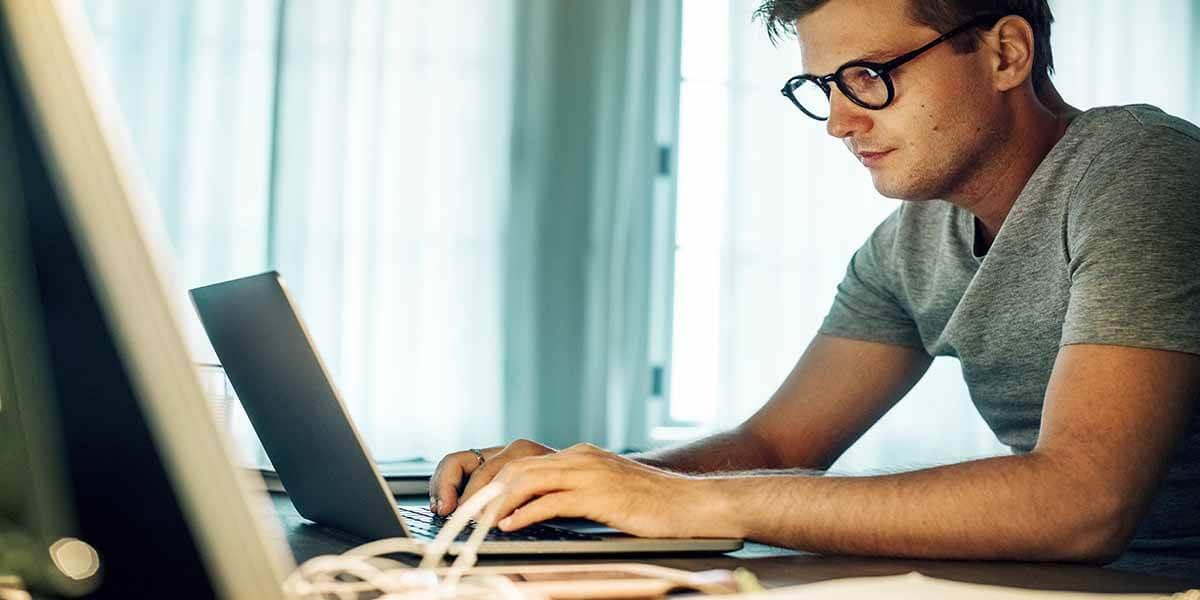 Uzun Süreli Bilgisayar Kullanımına Dikkat