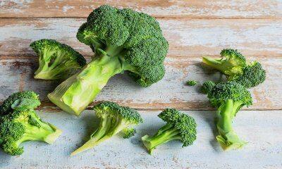 Brokoli Buharda Birkaç Dakika Pişirilmeli
